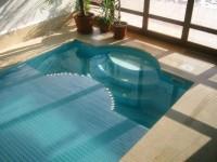 Lamelové krytí bazénů